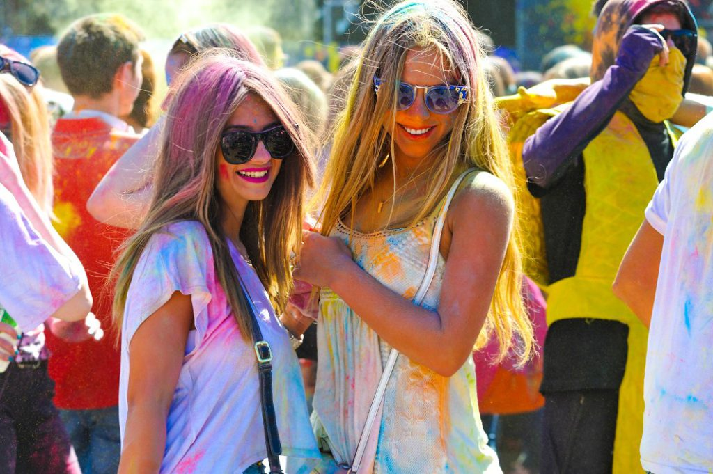 РПЦ обвинила Всероссийский фестиваль красок в сатанизме и оккультизме