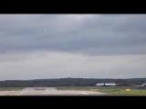 Завораживающее видео, о работе взлетно-посадочной полосы аэропорта Дюссельдорфа, ускоренное в 25 раз.