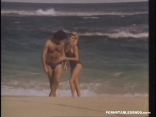 Ginger Lynn fucked by Ron Jeremy on  a beach