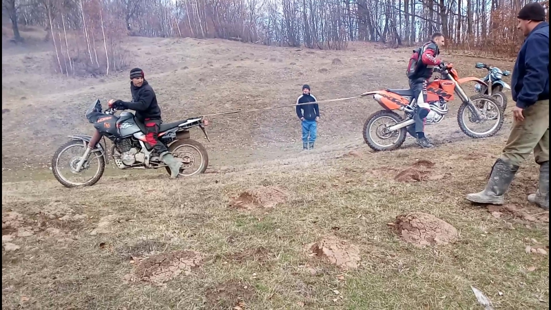 HONDA dominator 650 vs KTM 450 2017,03,12