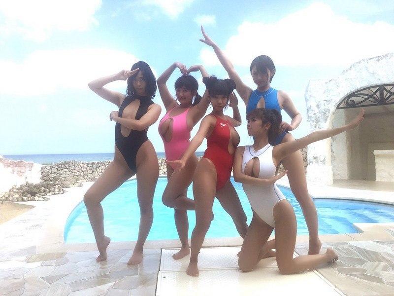 Японские купальники для сисястых дам