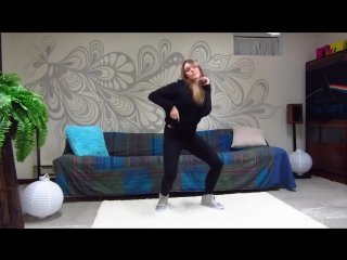 Девушка классно танцует