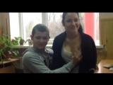 Школьница дала потрогать грудь на переменке)