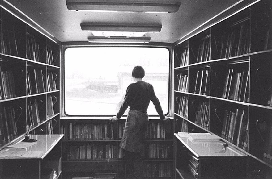 Интерьер роскошной библиотеки. Здесь можно жить!