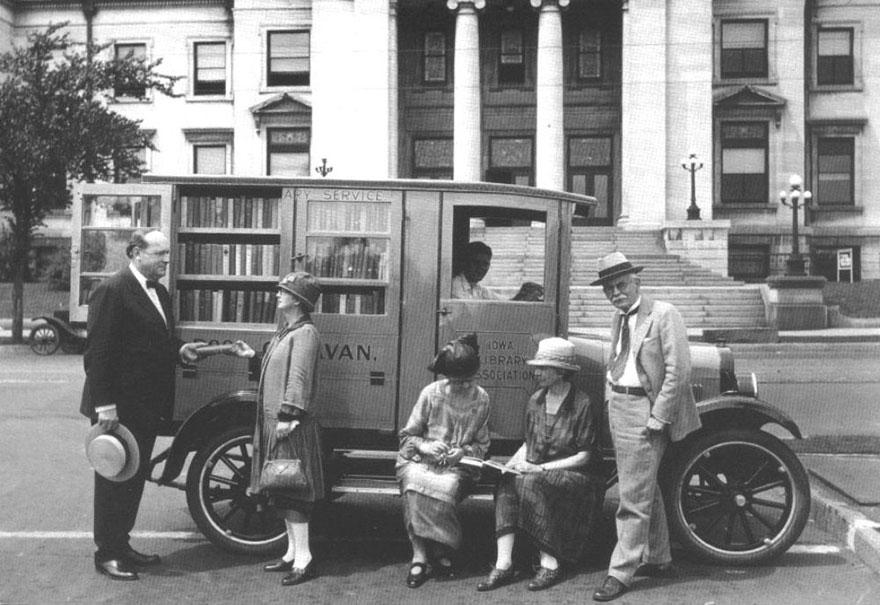 Книжный Караван В Айове, 1927 год