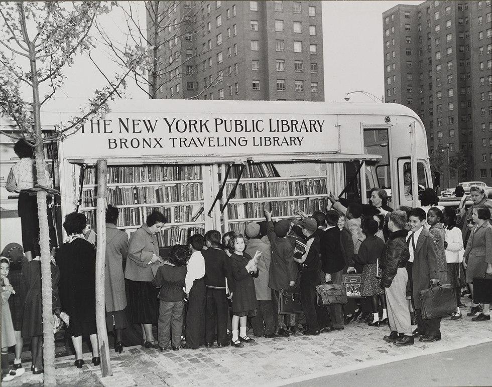 Книжный автобус в Нью-Йорке