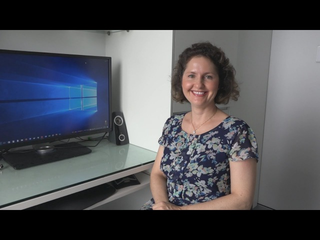 Mum Tries to Download and Install a Linux Distro (2016) - OSFirstTimer Advanced 8