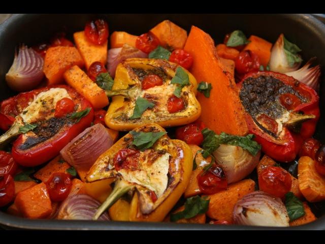 Юлия Высоцкая Запеченные овощи с соусом песто из грецких орехов
