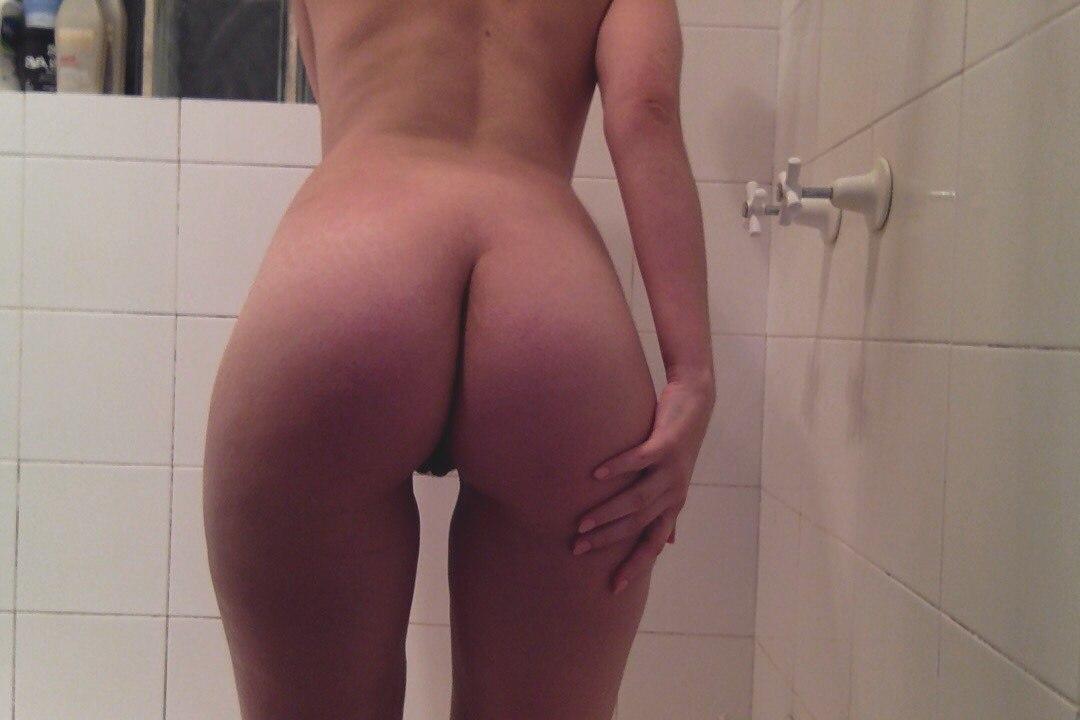 Maturespring com sexy maid fucks the