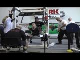 Таисия Кузнецова до 48 кг приседает 1 подход 160 кг, 2 подход 170 кг, 3 подход 175  кг. В однослойной экипировке
