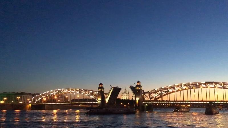 Большеохтинский мост (мост Петра Великого) Смольный собор белые ночи