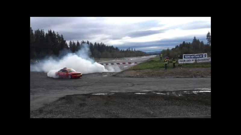 Audi S4 with 876hp - 360° spin drift !
