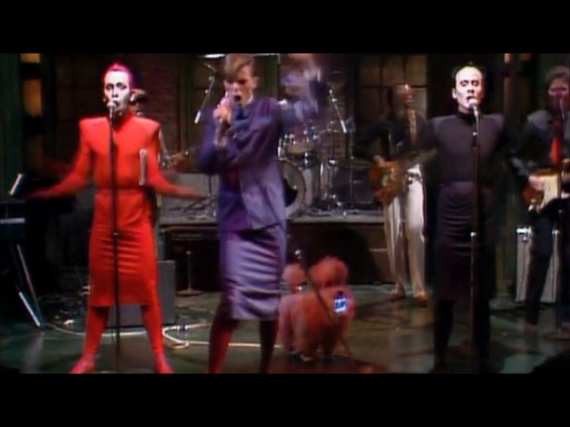 David Bowie - The Man Who Sold The World - TVC15 - Boys Keep Swinging (Live on SNL)