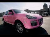 Розовый Порше Кайен из Питера удивляет народ на улицах