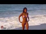 Девушки в бикини,лето,море горячая видео