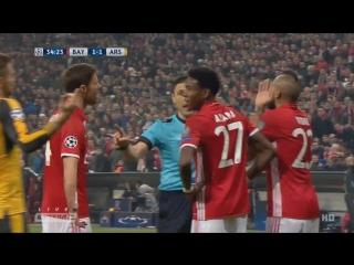 Бавария - Арсенал. Рука Бельерина в штрафной