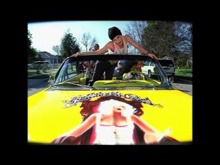 Gwen Stefani - Hollaback Girl (RU Subtitles / Русские Субтитры)