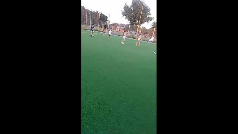 ёбанные играют в футбол