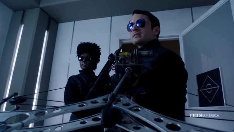 Детективное агентство Дирка Джентли / Dirk Gently's Holistic Detective Agency.2 сезон.Фрагмент 1 (2017) [1080p]