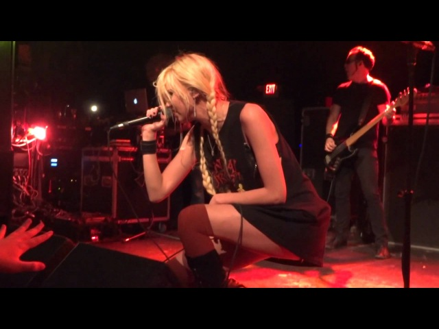 Goin' Down in HD - The Pretty Reckless 4/13/12 Philadelphia, PA