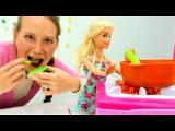 Мамы и дочки. Игры для девочек и видео про куклы Барби. Барби как мама