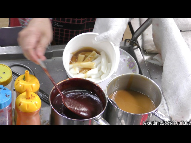 Hong Kong Street Food. The Rice Noodles of Sham Shui Po