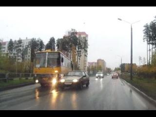 Икарус выталкивает на встречку - Снежинск 30 сентября 2016