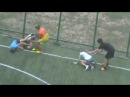 Девушки соблазняют парней на футбол за углом в кустах на секс Борьба Тупая драка