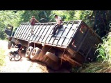 Extreme Truck Driving Skills | Long Truck Move on the Muddy Road Compilation