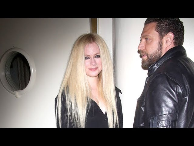 Avril Lavigne And J. R. Rotem Looking Oh-So-Happy At Delilah's