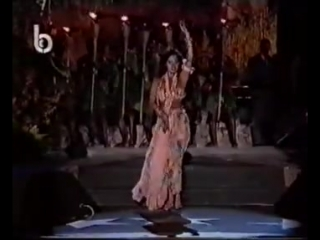 Samara, Naturalized Lebanese Born Iraqi belly dancer - Full Routine 8753