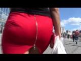 Зрелая мамка с большой красивой сексуальной попкой в юбке, милф milf mature sexy mom big ass попа задница