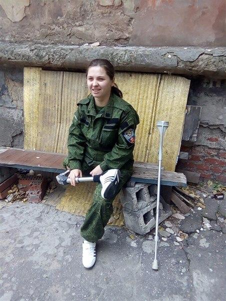 Оторвало ногу и пальцы на руках, но она не сдается: герой ДНР, ополченка Валя Гетьманчук мечтала о любви и семье, но пришла война