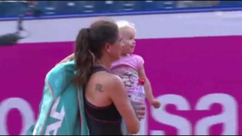 Filha corre para a abraçar Schnyder