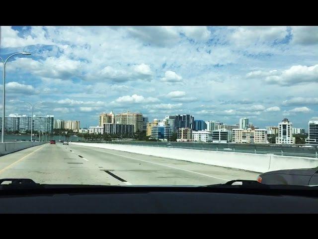 Красивый город Сарасота на берегу Мексиканского залива
