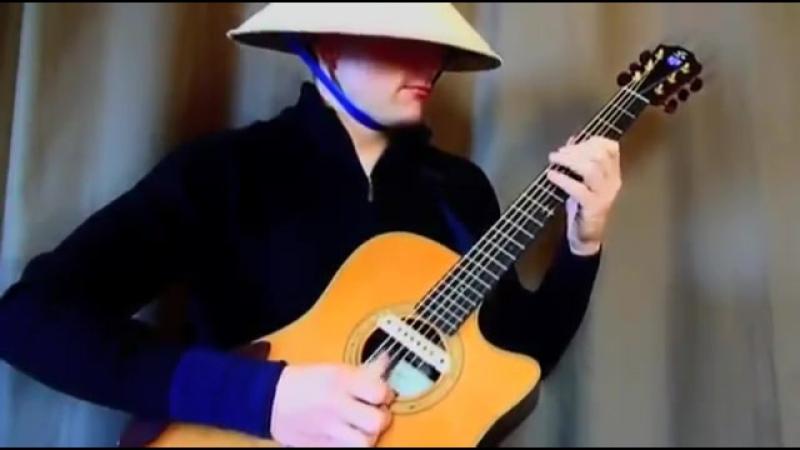 Виртуоз играет транс на гитаре