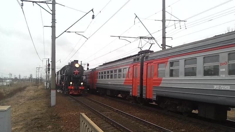 Ретропоезд с паровозами Л - 5248 и Л - 3958, ЭР2т - 7204 идёт навстречу, Витебское направление.