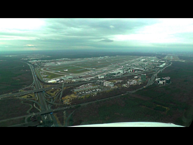Cockpit Landing 25R - Parallel A380 on 25C @EDDF!
