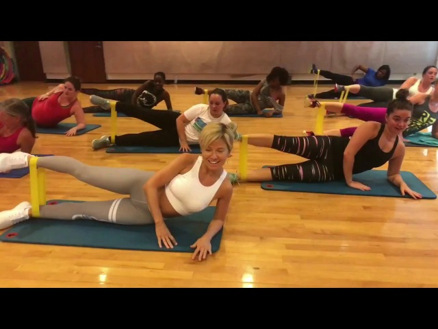 SWISH SWISH Katy Perry - Dance Fitness Workout with Resistance Bands Valeo Club