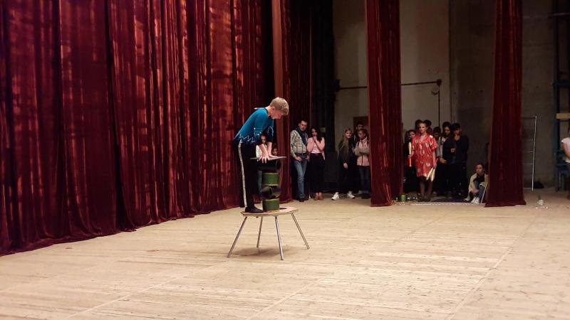 Народний цирк ''Каскад'', м. Трускавець (еквілібр на циліндрах). Михайло Мисишин