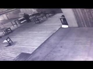 В Москве 15-летний подросток открыл стрельбу по инструктору