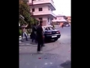 Nafris demolieren Polizeiwagen Italien