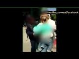 Полиция пытается задержать девушку за продажу укропа