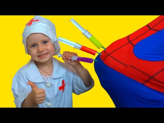 ИГРАЕМ В ДОКТОРА С УКОЛАМИ Разноцветные УКОЛЫ В ПОПУ Доктор ДЕЛАЕТ УКОЛЫ Bad Baby Pl