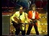 Bill Haley performs Rip It Up
