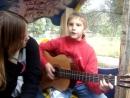 армейские песни - гоп стоп зелень (часы пробили) - 2.0 мальчик поёт под гитару