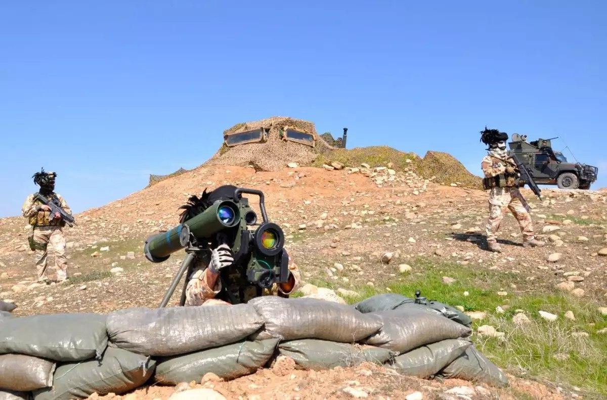 [BIZTPOL] Szíria és Irak - 6. - Page 2 Q8Gq6l2mcBI
