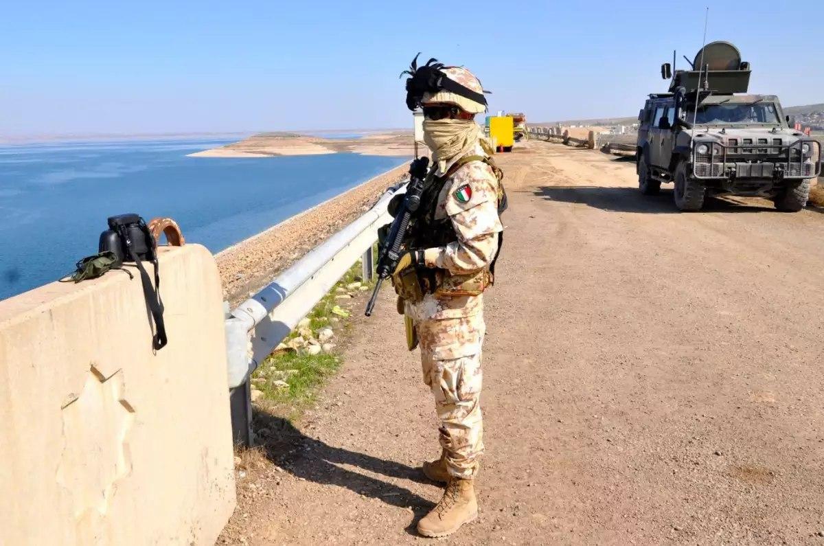 [BIZTPOL] Szíria és Irak - 6. - Page 2 BqTDojcRJoQ