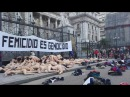 Mujeres desnudas se manifestaron contra los femicidios en Tribunales, Plaza de Mayo y Congreso