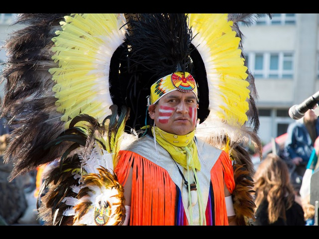 IMAYRA Indian Group in Alexanderplatz Berlin by BerlinCamera